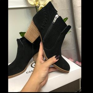 Giani Bernini Black suede booties
